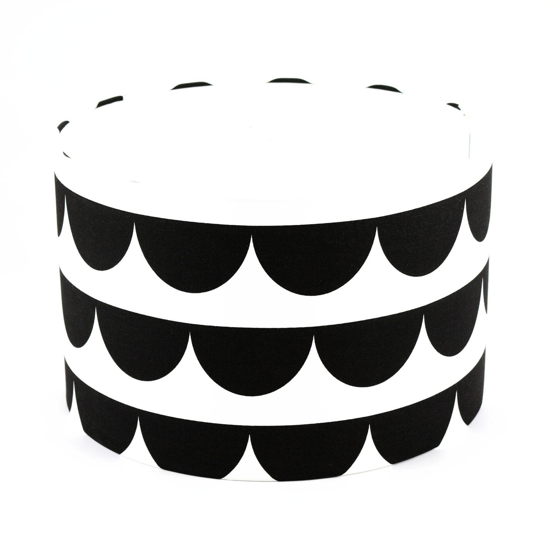 baby lal by peri interior for kids aus berlin halbmond 35 lampenschirm schwarz wei. Black Bedroom Furniture Sets. Home Design Ideas